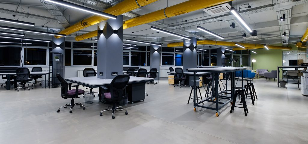 - header 21 1024x480 - Coworking spaces will become support for hybrid models of large companies